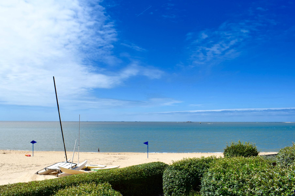 À vendre 3 pièces face mer à Sainte Marguerite avec accès direct plage