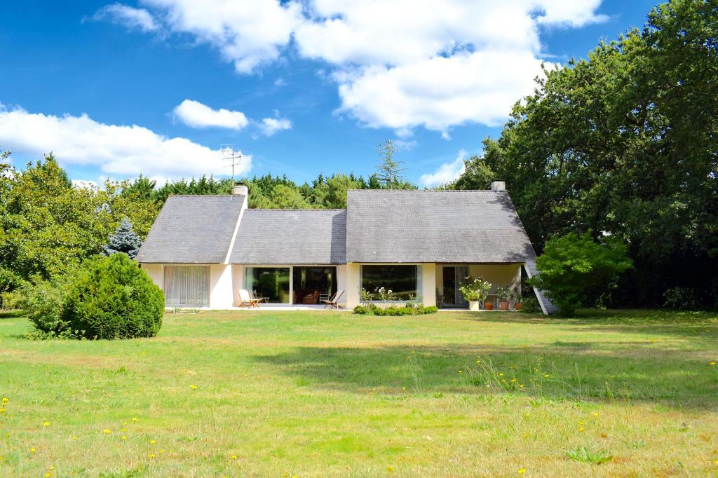 À vendre maison contemporaine au Domaine de Saint Denac au calme
