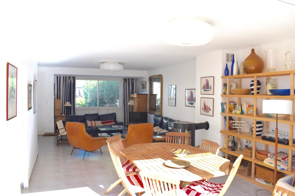 A vendre, belle villa dans quartier Benoit à 150m de la plage, proche du port et du centre ville du Pouliguen