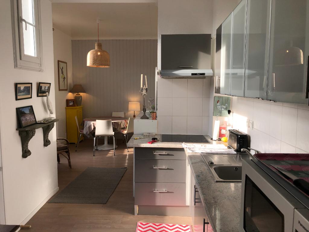 A Vendre à La Baule charmant T3  de 45 m² entre de Gaulle et le marché de la Baule