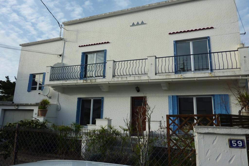 À vendre Maison + 2 maisons annexes proche centre ville, résidentiel
