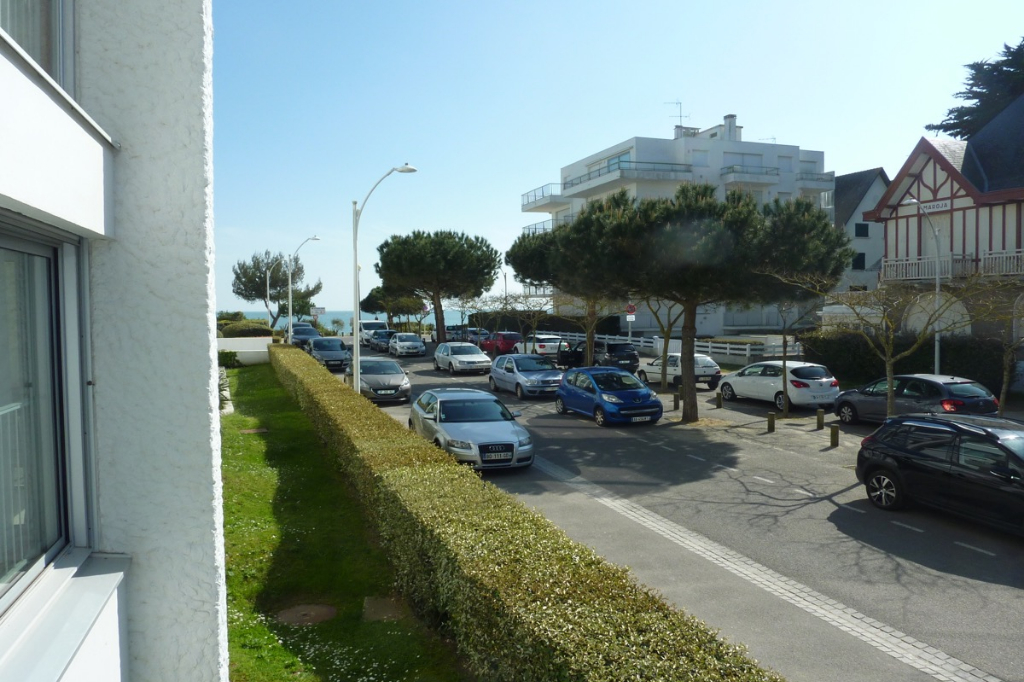 À vendre 2 pièces en vue mer latérale, accès direct plage Benoit