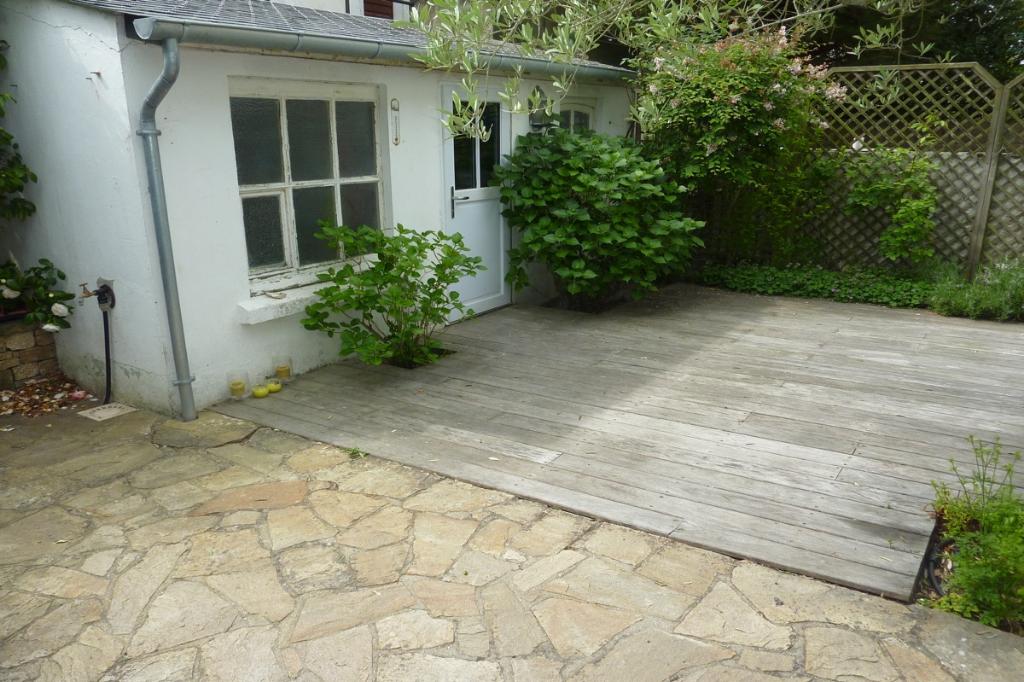 À vendre maison à 450 m de la plage, derrière le quartier Benoit, au calme
