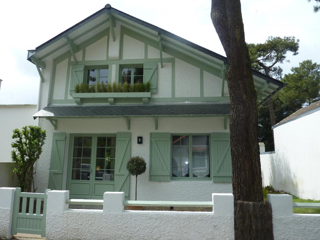 À vendre, maison avec terrain constructible, proche mer & centre ville, quartier des Grands Hôtels, calme & résidentiel