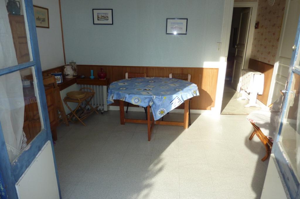 À vendre petite maison à La Baule, proche marché, à 350m de la plage