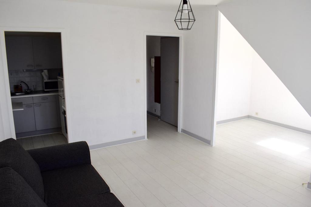 À vendre appartement Quartier Pavie proche des Grands Hôtels, à environ 700 m de la plage, au calme