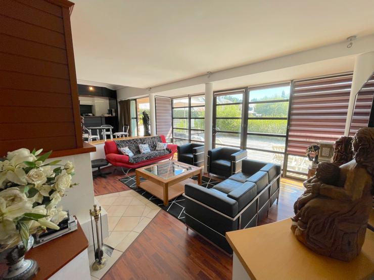 À vendre appartement de 150m2  à proximité du Golf de La Baule dans une résidence entretenue au calme avec piscine