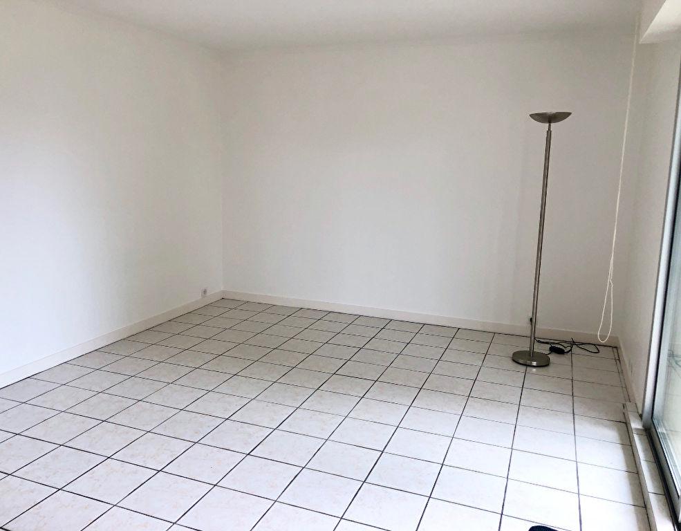 A vendre Studio de 27m² Centre ville de la Baule. Proche du marché et de l'Avenue de Gaulle.