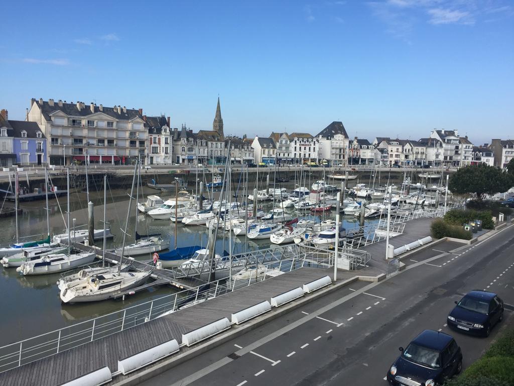 à vendre, 2 pièces, Face port, La Baule, début du quartier Benoit, à 100m de la plage, proche du centre ville du Pouliguen,  calme & résidentiel