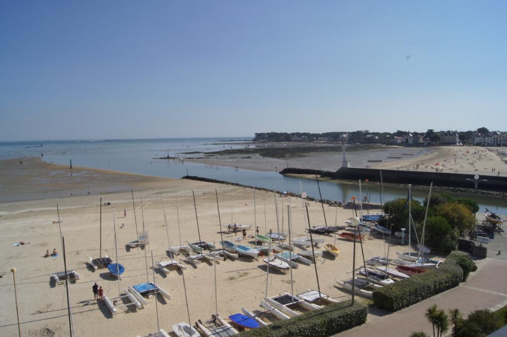 À vendre appartement de Type 3 face mer plage Benoît à La Baule avec accès direct plage