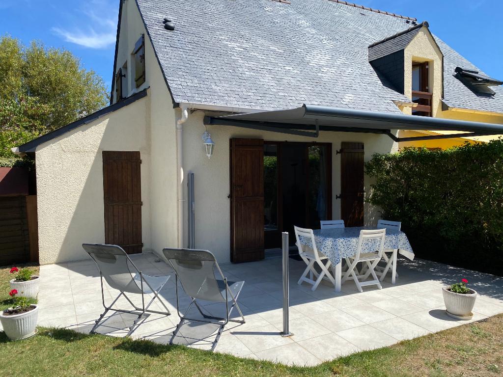 À vendre petite maison 3 pièces à 700m de la plage Benoit, proche du Tennis Country et du Palais des Congrès