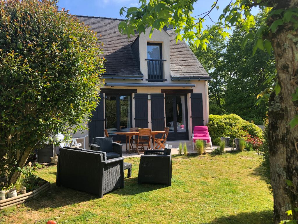 À vendre maison traditionnelle sur les hauteurs de La Baule, à 5mn en voiture du centre