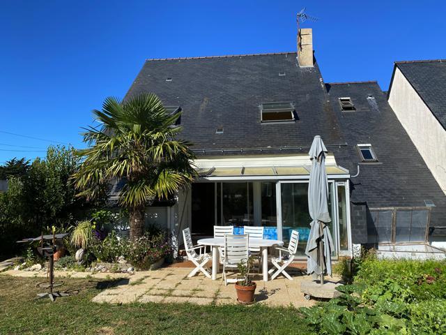 À vendre maison d'architecte à La Baule à 400m derrière l'Hôtel Royal, calme et résidentiel