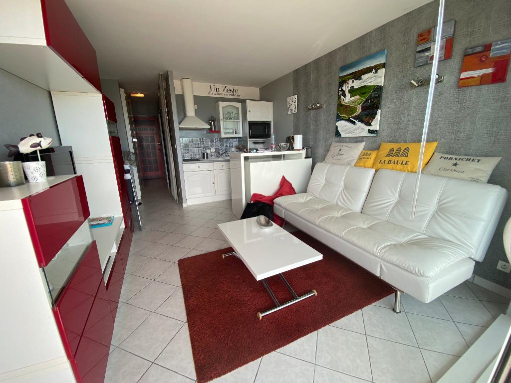 À vendre studio cabine face mer à La Baule proche Casino et Marché, quartier des oiseaux, résidentiel