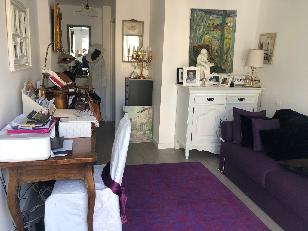 A vendre appartement 3 chambres en plein centre ville, entre le marché & l'Avenue de Gaulle, calme & résidentiel