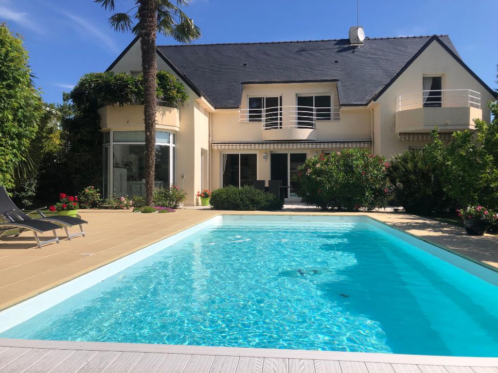 A vendre à La Baule belle maison de 270 m² avec piscine