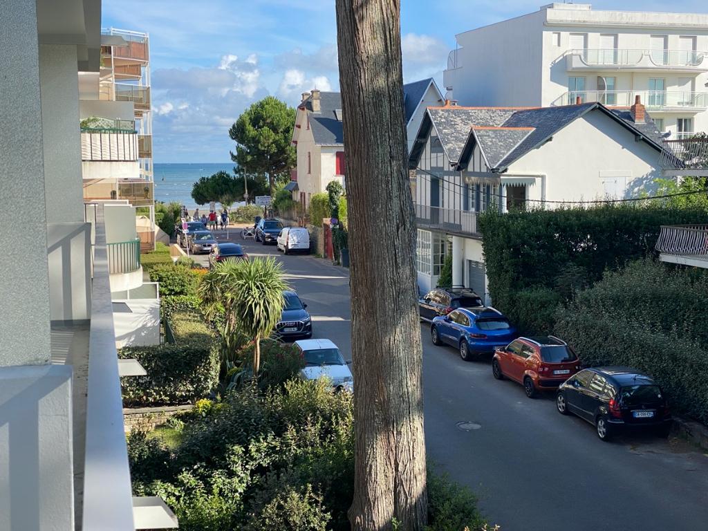 à vendre, La Baule, 3 pièces, quartier Benoit, Vue mer latérale,À 50m de la plage Benoit - Proche du Port & du centre ville du Pouliguen - secteur calme & résidentiel ? à côté de la villa Caroline