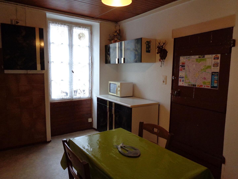 perigueux appt f1 meubl 27m2 en rdc calme p rigueux 24000. Black Bedroom Furniture Sets. Home Design Ideas
