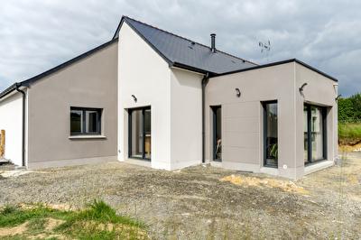 Maison Saint Pierre La Cour 5 pièce(s) 108.71 m2