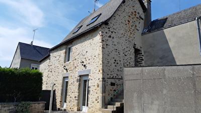 Maison Saint Jean Sur Mayenne  en pierre
