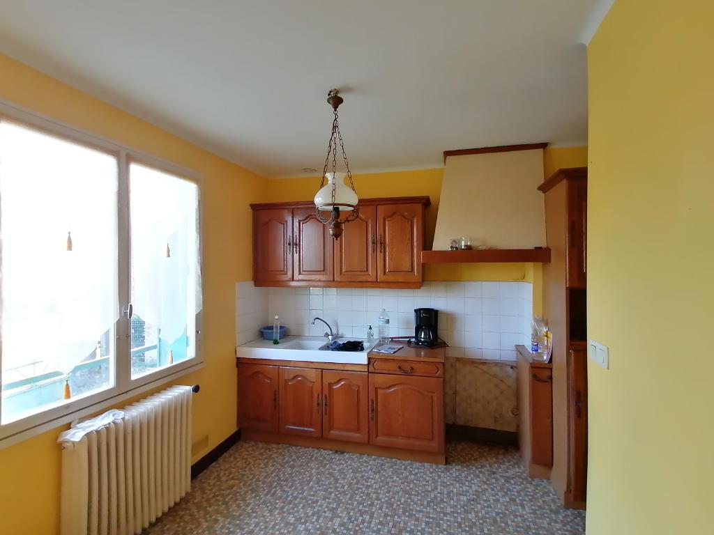 Maison Montsurs 4 pièce(s) 80 m2