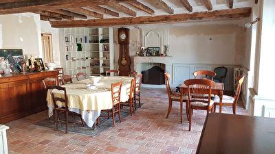 Maison Montjean 9 pièce(s) 174.69 m2