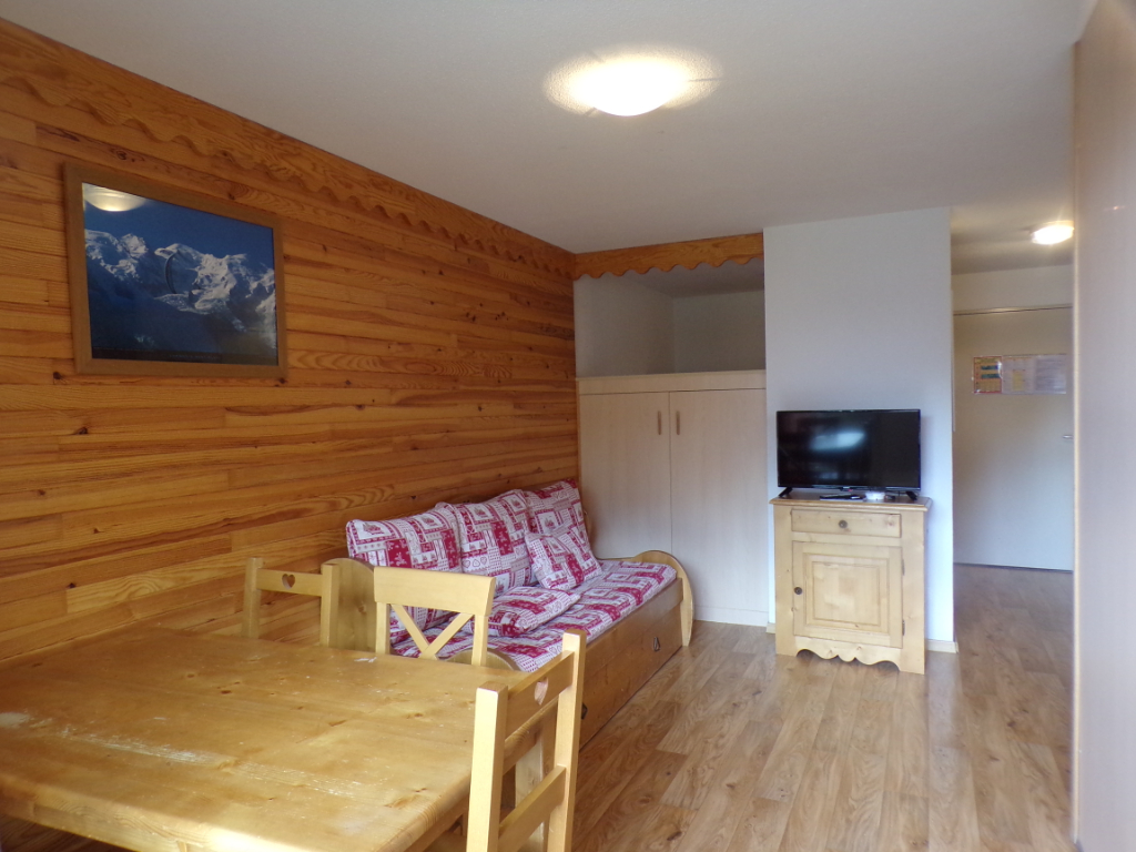 T2 34 m² avec balcon SE dans résidence avec piscine