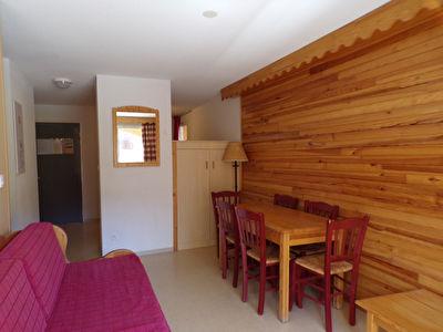 T2 37 m² avec balcon SE dans résidence avec piscine