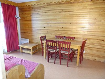 T2 33 m² avec balcon SE dans résidence avec piscine