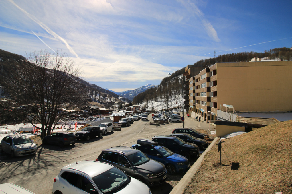 Emplacement idéal pour construction d'un immeuble d'habitation 800 m² en Front de Neige