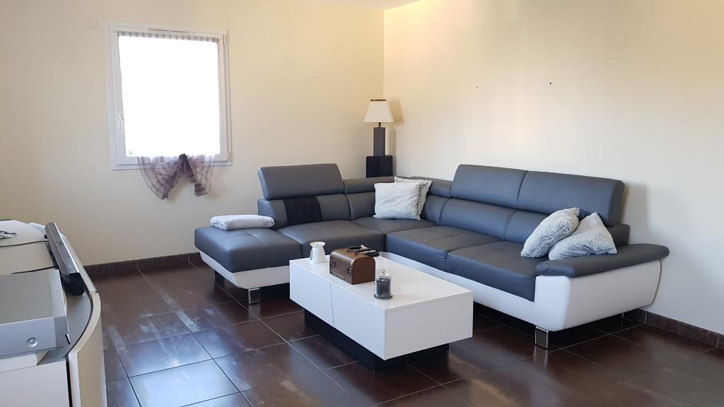 Maison Cossé-le-vivien  6 pièce(s)