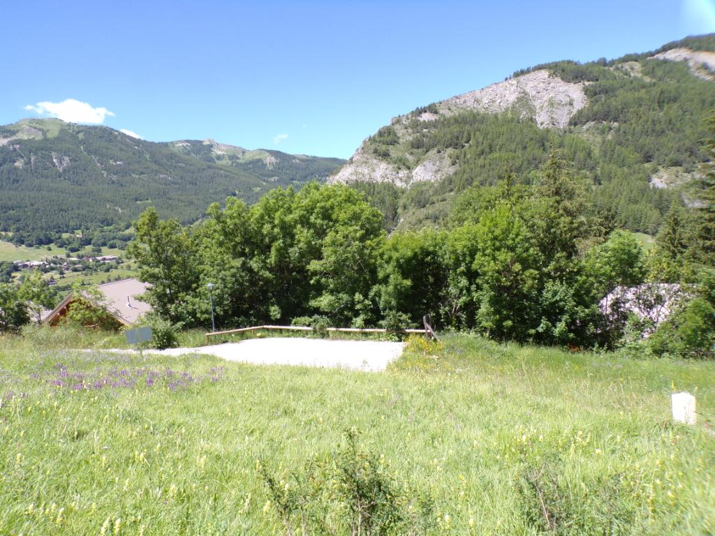 Terrain Constructible Viabilisé Sud Ouest avec vue panoramique sur le Seignus