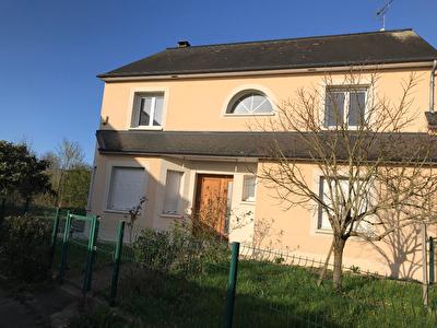 Maison Laval 8 pièce(s) 6 chambres