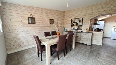 Maison Quelaines Saint Gault 7 pièce(s) 210 m2