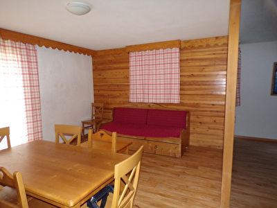 T3 47 m²  avec balcon dans résidence avec piscine