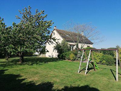 Belle maison sur grand jardin dans les Alpes Mancelles