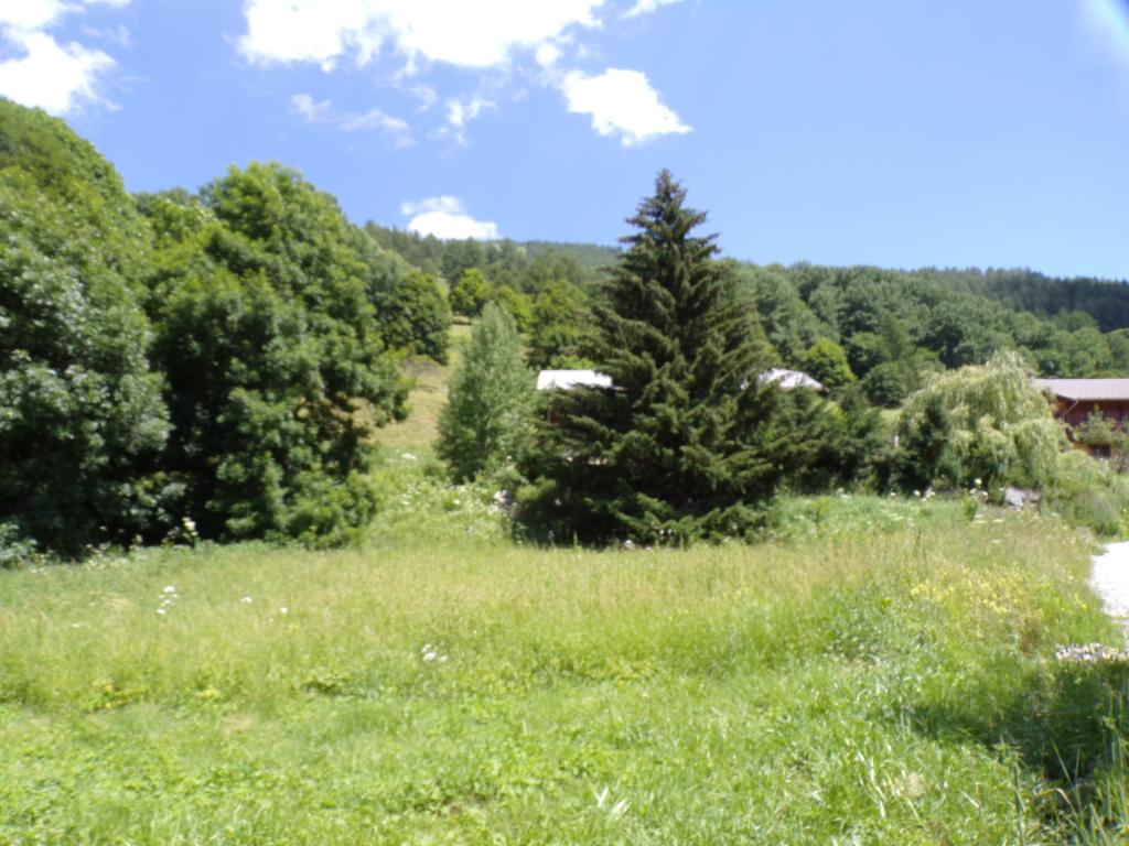 Terrain constructible 800 m²  au Hameau de la Foux