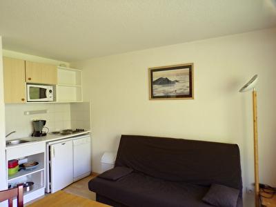 T2 28 m² avec balcon et vue imprenable sur les Sources du Verdon dans résidence avec piscine