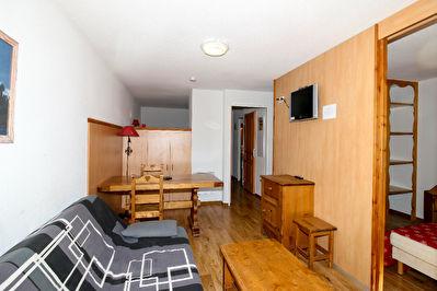 T2 36 m² 6 couchages avec balcon Sud et parking en sous sol au centre station