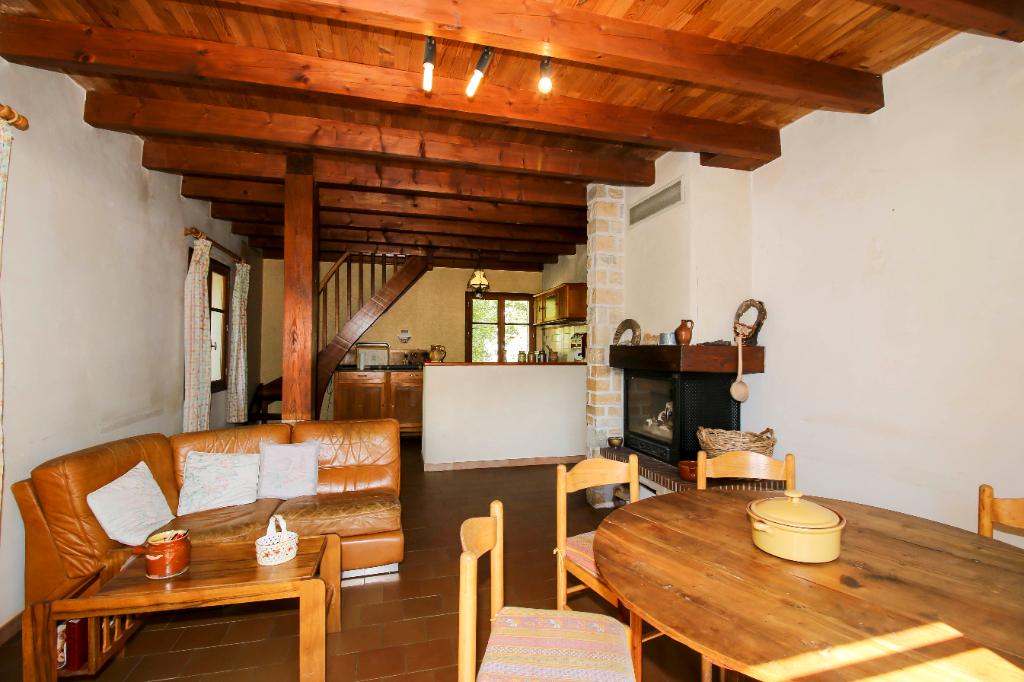 Maison 120 m2  avec garage, T2 indépendant à Beauvezer