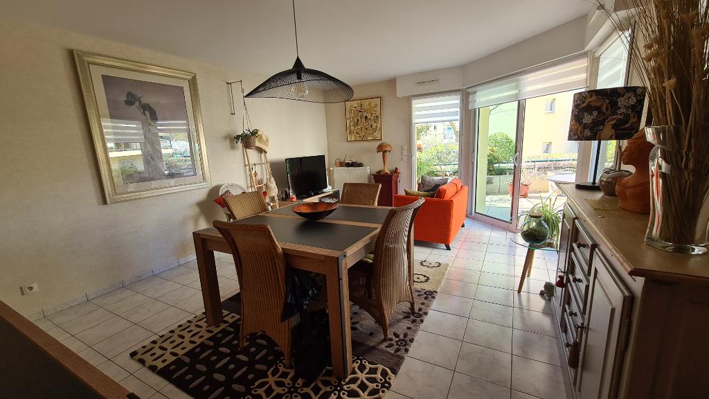 Appartement  Laval  bord de la Mayenne  4 pièce(s) 86 m² avec garage