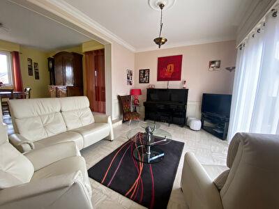 Maison Evron 6 pièce(s) 160 m2