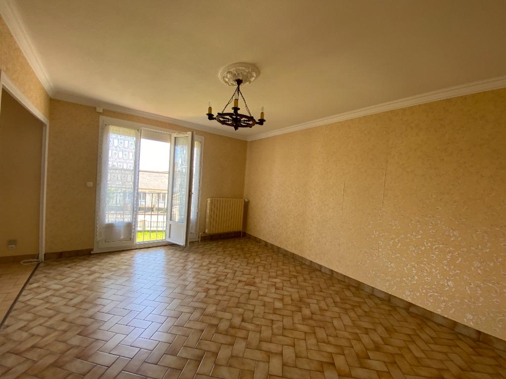 Maison 5 pièces 86 M2, 3 chambres, avec jardin à Villaines-La-Juhel