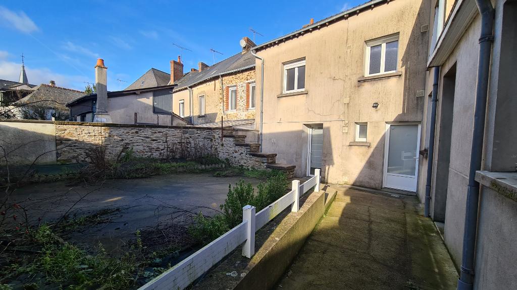 Maison Quelaines Saint Gault