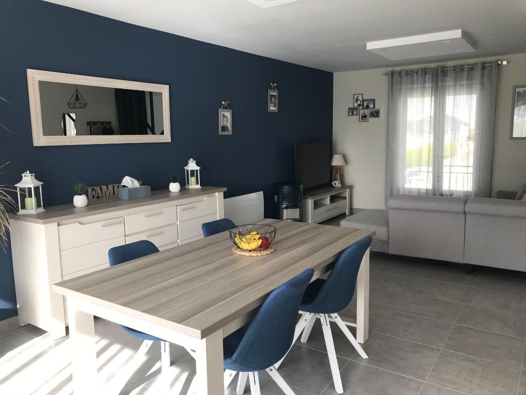 Maison  à Courbeveille 5 pièce(s) 90 m2 3 chambres