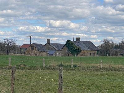 Maison - anciens corps de ferme à restaurer - Chatillon-Sur-Colmont
