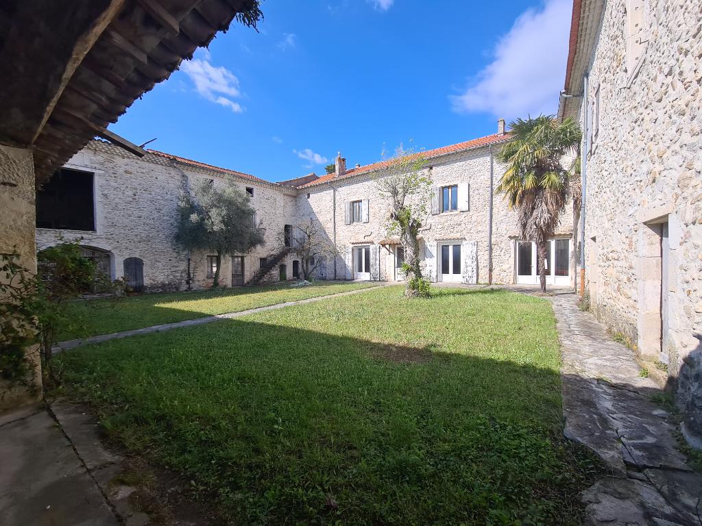 Maison La Batie Rolland 11 pièce(s) 1000 m2