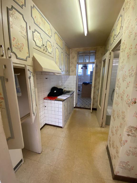Maison type longère, dépendances avec terrain constructible