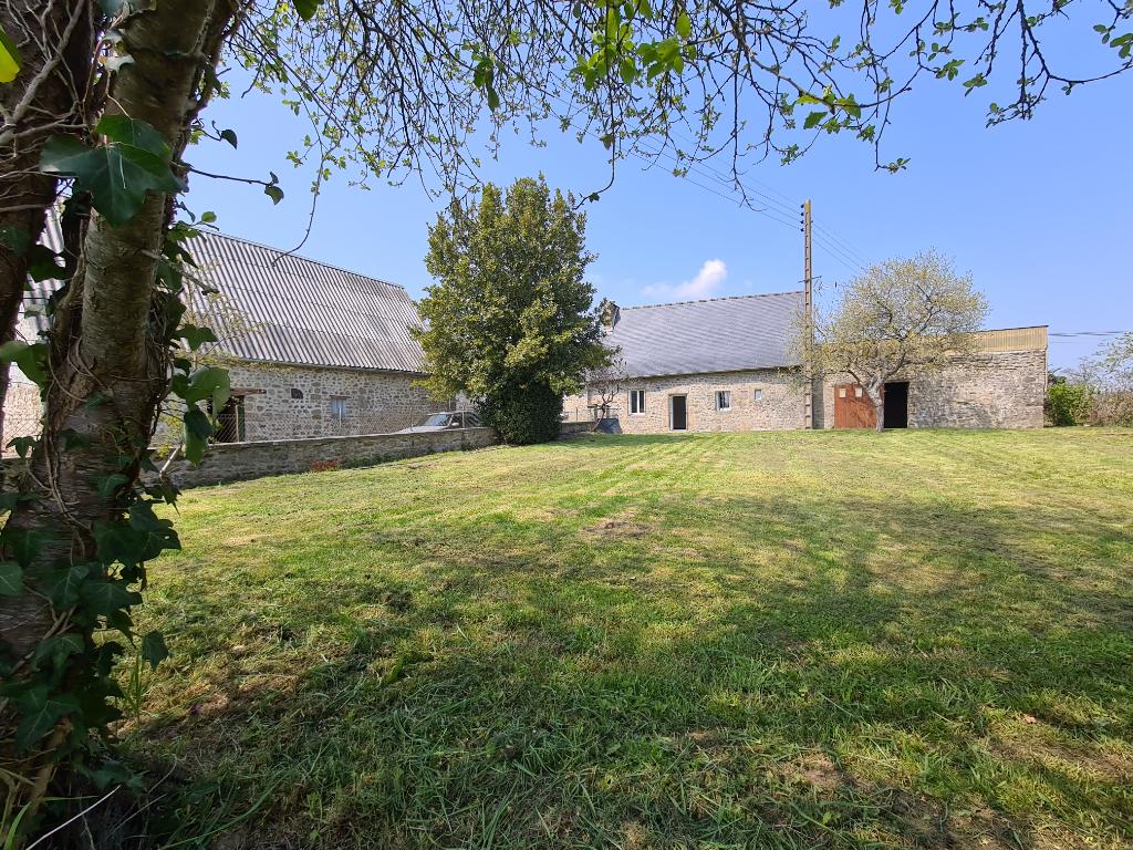 Maison La Bazouge Des Alleux 3 pièce(s) 100 m2