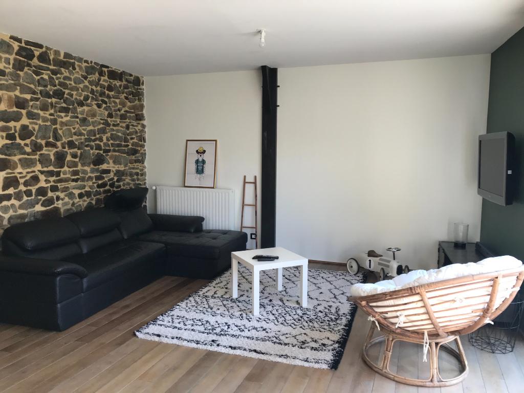 Maison familiale à Montsurs 5 pièce(s) 117 m2  3 chambres